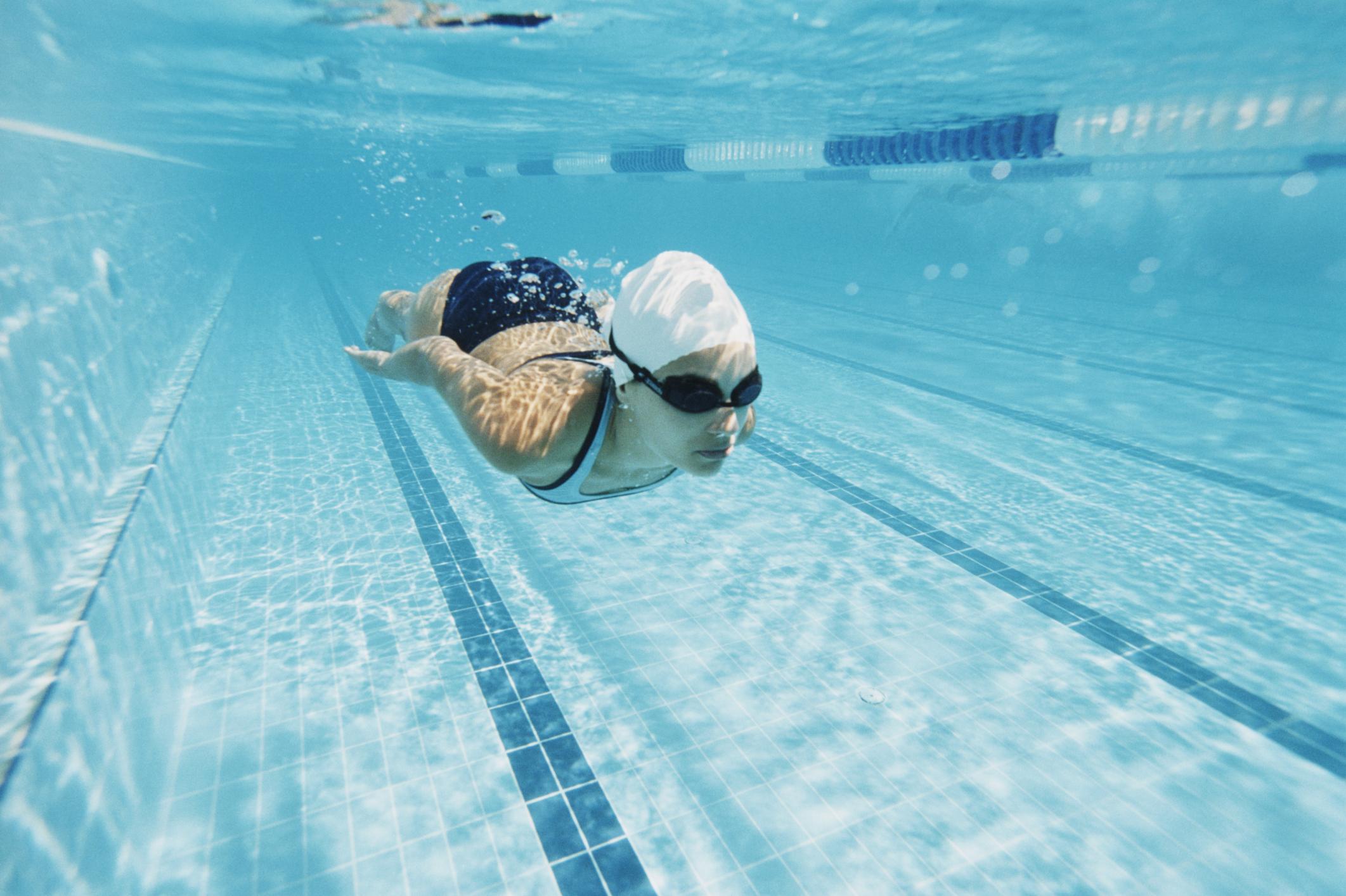 Как плавать в бассейне, чтобы похудеть