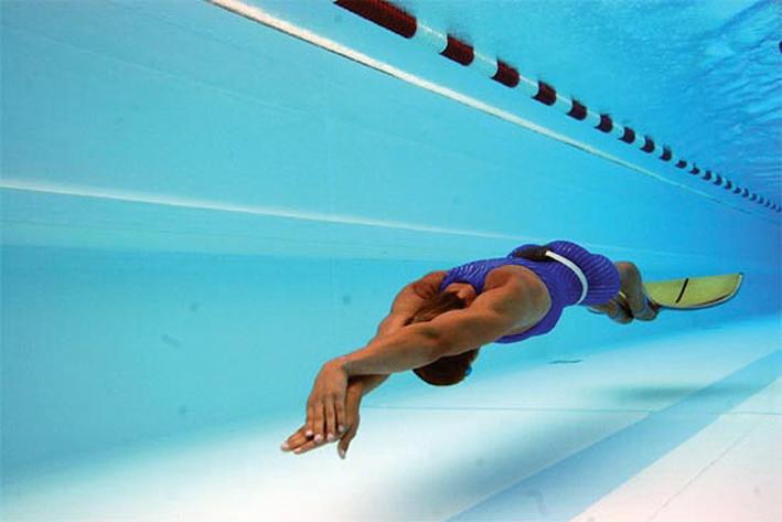 Подводное плавание в бассейне