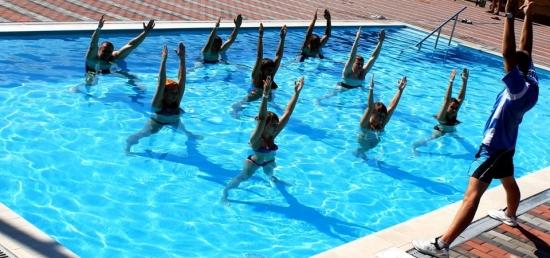 Занятия в бассейне