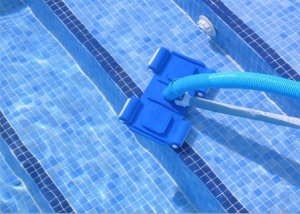 Очистка не глубоких бассейнов