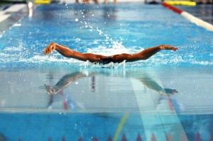 Учимся плавать с инструктором