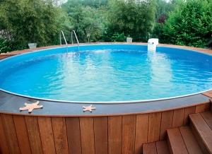 Удобный дачный бассейн