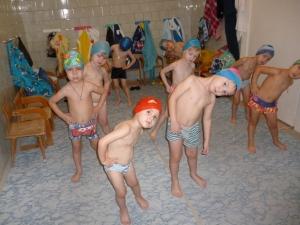 Подготовка к водным процедурам в детском саду