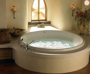 Оборудованная ванная комната под бассейн