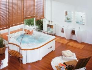 Расслабление в гидромасажной ванне