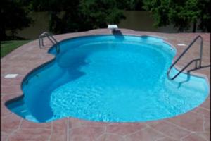 Яркий бассейн