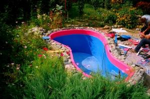 Углубленный в землю бассейн